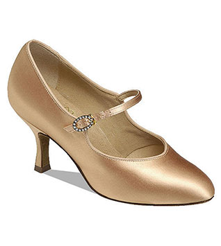 girl-shoes-dancesport